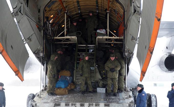Военнослужащие медицинского отряда вернулись изСирии вНовосибирск