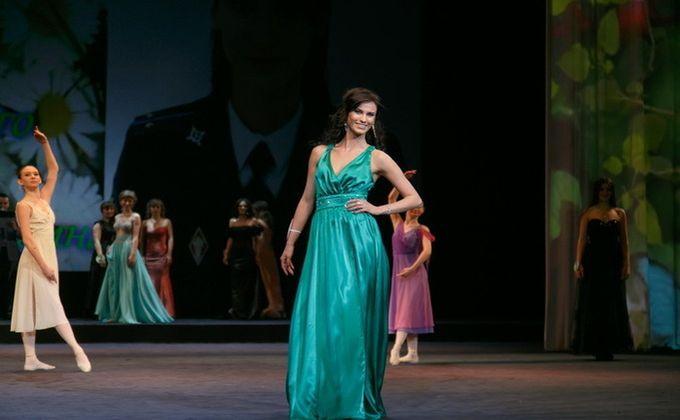 Девушка-кавалерист одолела  вконкурсе красоты «Леди впогонах»