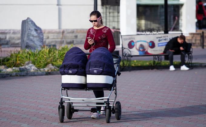 Детские пособия увеличат в России