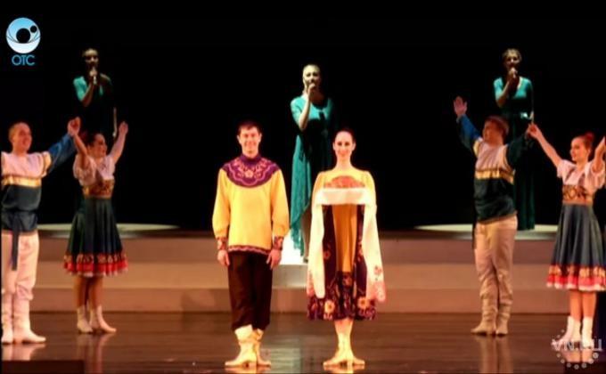 Аграрный университет отметил 80-летие в оперном театре: http://vn.ru/news-agrarnyy-universitet-otmetil-80-letie-v-opernom-teatre-/