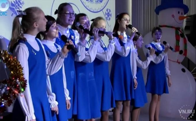 Чьи дети попали на праздничную елку Новосибирского района: http://vn.ru/news-chi-deti-popali-na-prazdnichnuyu-elku-novosibirskogo-rayona/