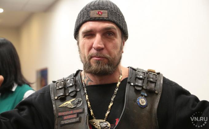 Опрос: практически  половина граждан России  позитивно  относится кбайкерскому клубу «Ночные волки»