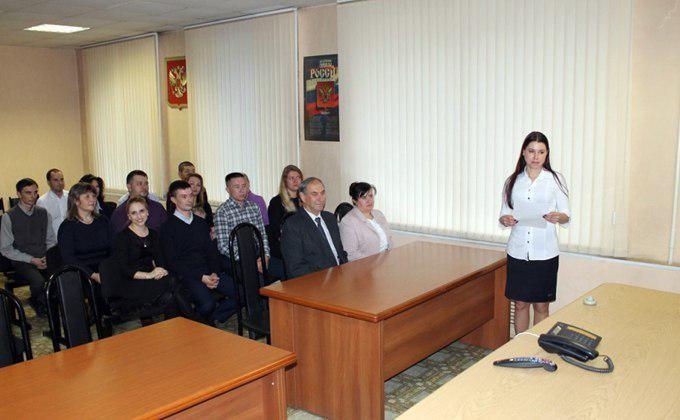 Первые 33 человека приняли присягу гражданинаРФ вНовосибирске