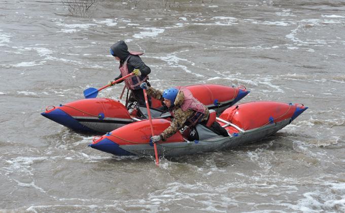 Порог Топор на реке Шипуниха преодолеют на «двойках» и «четверках»
