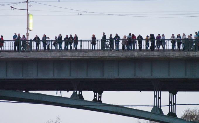 31-летний мужчина спрыгнул сКоммунального моста вНовосибирске