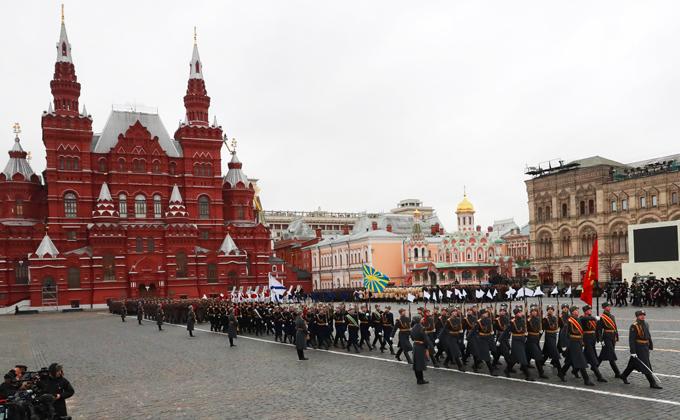 Парад 7 ноября 2018 на Красной площади – где и во сколько смотреть по ТВ
