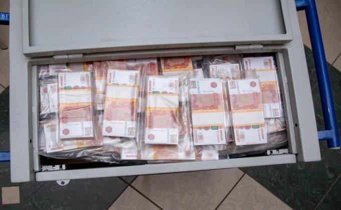 Миллиард рублей наличными показали жителям Новосибирска