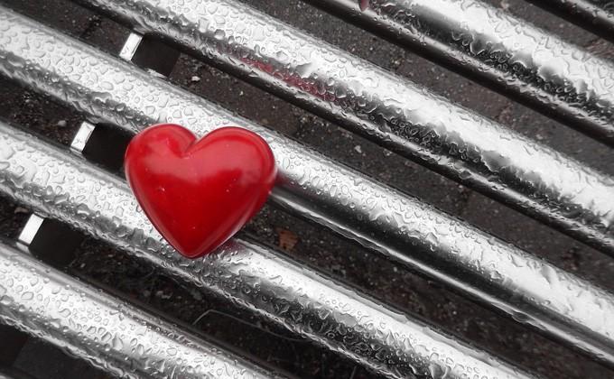 Новосибирец получил смертоносный удар ножом всердце отлюбовника супруги