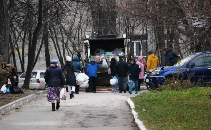 МинЖКХ контролирует заключение договоров на вывоз мусора с юридическими лицами