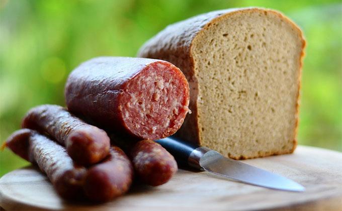 Выбирать колбасу научили в Роскачестве