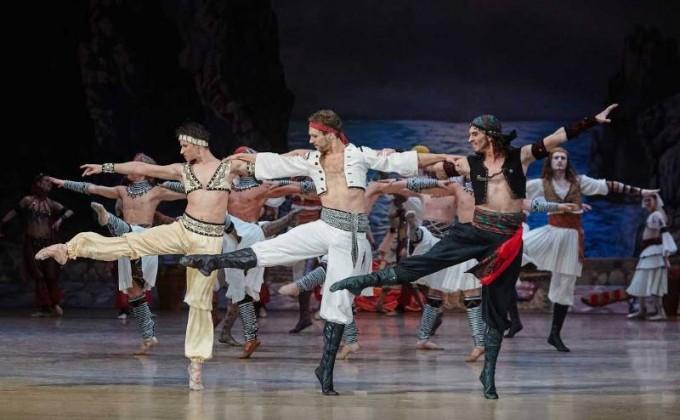 Артистам новосибирского театра оперы ибалета посоветовали отслужить насцене