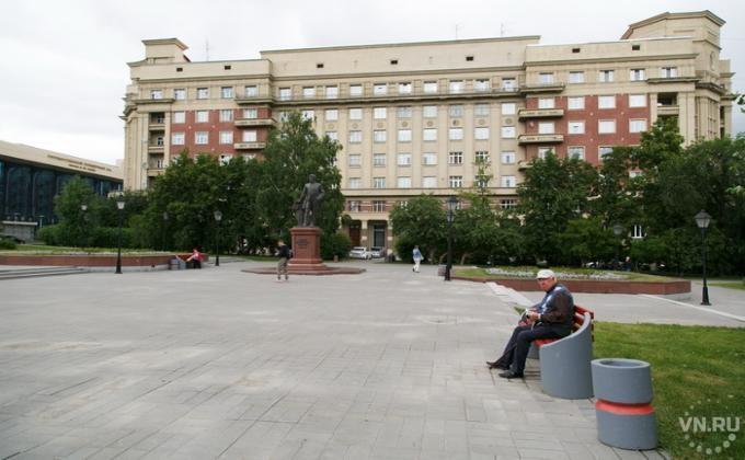 Проект памятники истории и элитные города новосибирска памятники могилев цены каталог