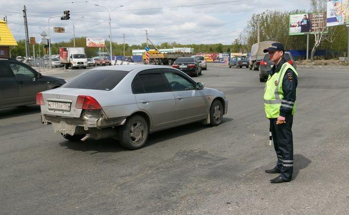 Автоинспекторы впроцессе рейда «Нетрезвый водитель» спасли новосибирца от преступников