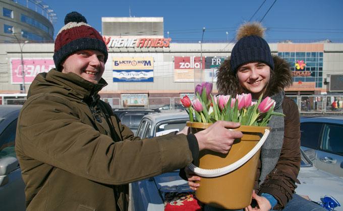 «100 тысяч за один день»: как навариваются на тюльпанах к 8 Марта
