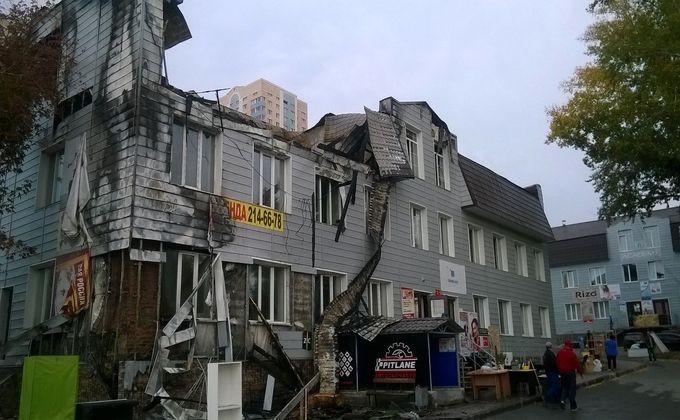 Cотрудники экстренных служб практически восемь часов боролись спожаром наОбьГЭСе