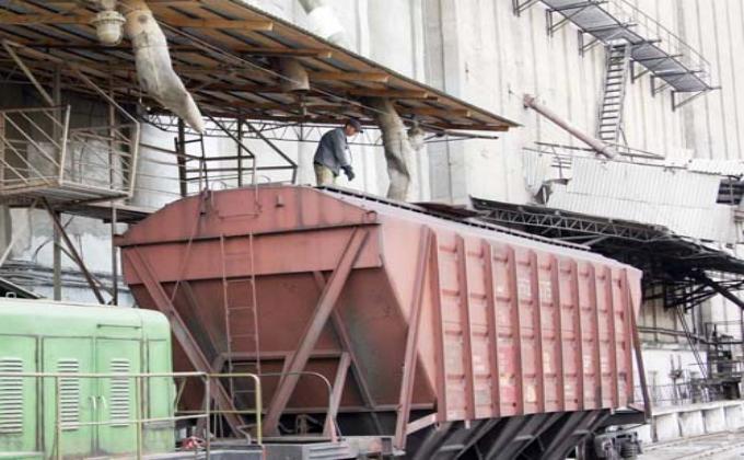 Штаб Минсельхоза РФ отгрузку зерна сдерживают простои вагонов