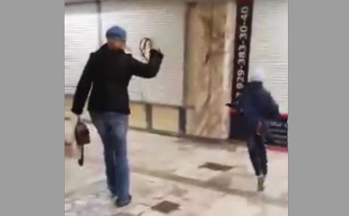 Женщина с ребенком на поводке возмутила новосибирцев