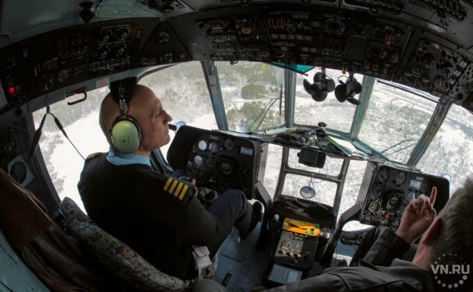 ВНовосибирске успешную посадку совершил пассажирский самолет, укомандира которого случился инсульт