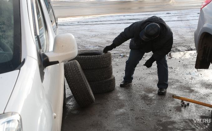 ВКрасноярске ГИБДД попросила непереобуваться влетние шины