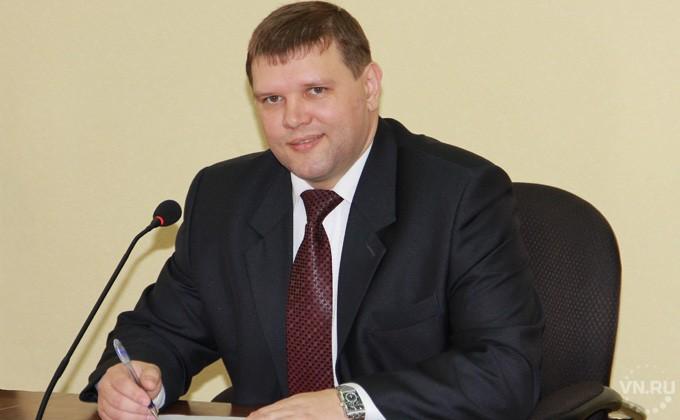 Неизвестный поджег дом руководителя города вНовосибирской области