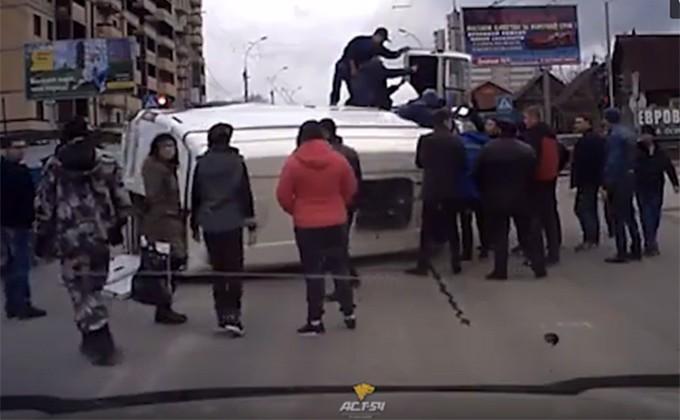 ДТП вНовосибирске: свидетели ставили наколеса «скорую»