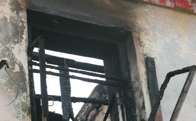 Пожарные тушат магазин на Толмачевском шоссе