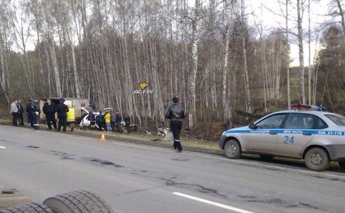 Трое взрослых иребенок погибли вДТП вНовосибирской области