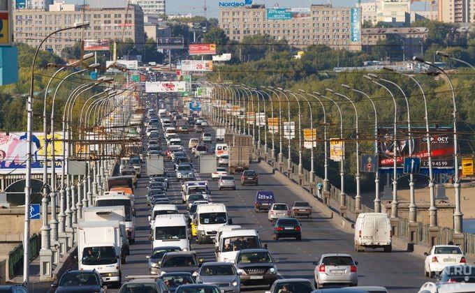 ВНовосибирске угонщика «Волги» увезли на«скорой помощи» после ДТП