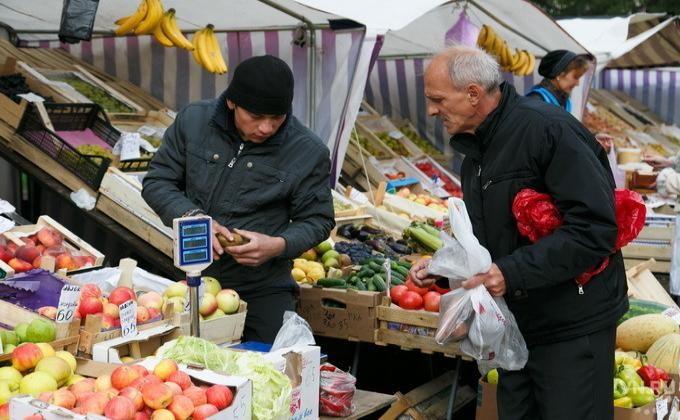 Власти Новосибирска решили увеличить штрафы занесанкционированную торговлю