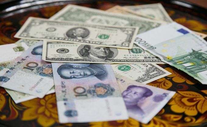 Новосибирцы вывели за рубеж более 460 млн рублей