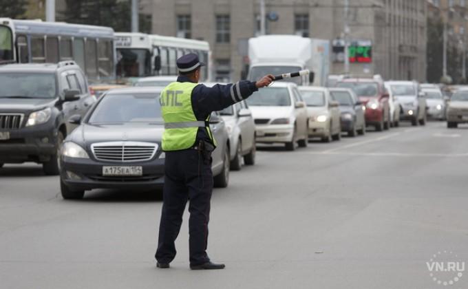 Русские водители обязаны возить ссобой световозвращающие жилеты— Новые правила
