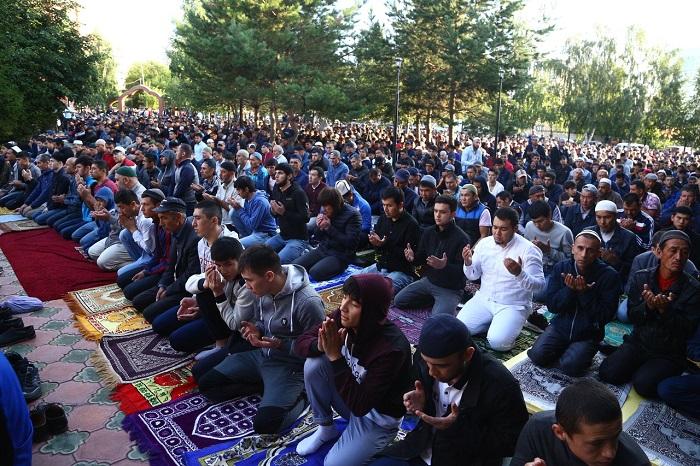Мусульмане празднуют Курбан-байрам в Новосибирске — лучшие фото