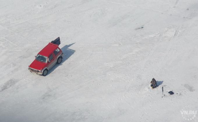 Заблудившегося наОбском море рыбака отыскали в500 метрах отберега