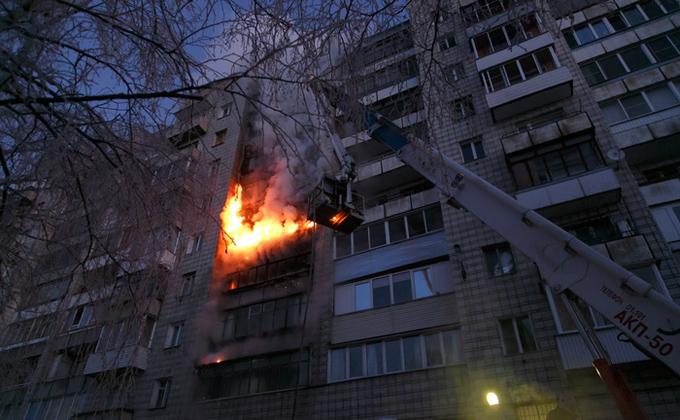 12 человек эвакуировали изутреннего пожара вНовосибирске
